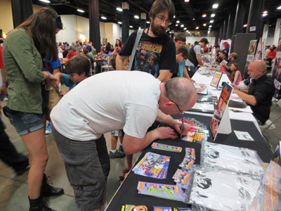 Me-signing-a-comic-3